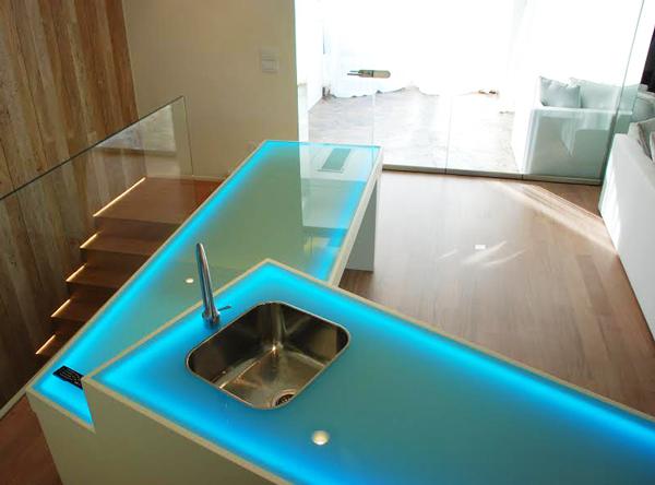 MUtable... tavolo sia per pranzi che per cocktail- multifunzionale-luminoso e diverso dal concetto statico di tavolo.